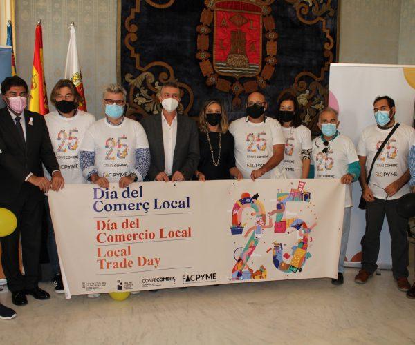 El conseller de la Generalitat Valenciana, Rafa Climent, destaca en Alicante que el Día del Comercio Local dará visibilidad a la labor de comerciantes de los barrios, pueblos y ciudades de la provincia