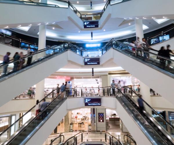 La afluencia a los centros comerciales aumenta un +2,4% en septiembre, según Sensormatic Solutions